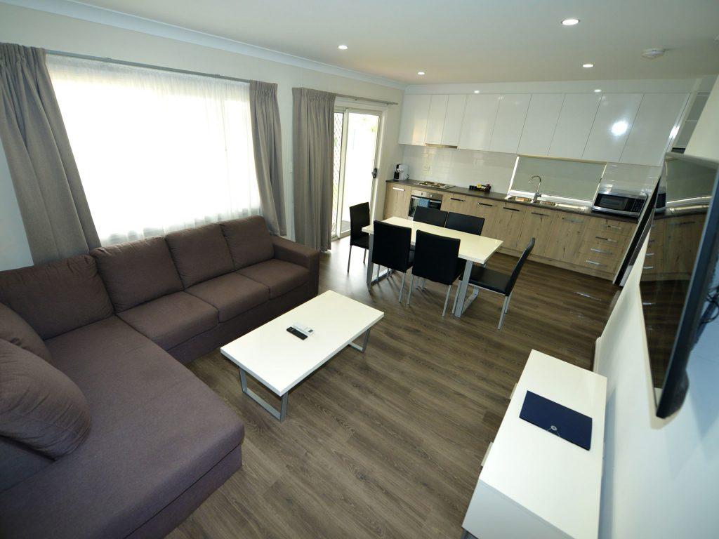 Luxury Riverfront Cabin - Open Living